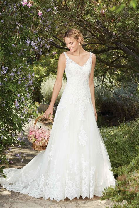 2269 Wedding Dress from Casablanca Bridal   hitched.co.uk