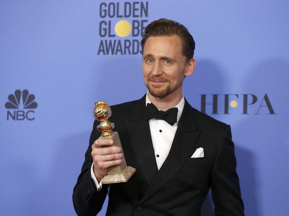 Tom Hiddleston levou o Globo de Ouro de melhor ator em série limitada ou filme para TV (Foto: Mario Anzuoni/Reuters)