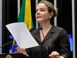A senadora Gleisi Hoffmann discursa na tribuna do plenário do Senado (Foto: Geraldo Magela / Agência Senado)
