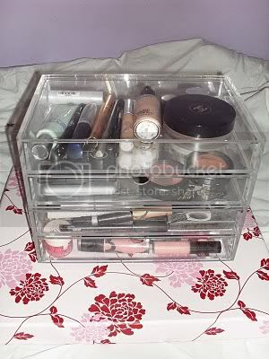 makeup storage Image