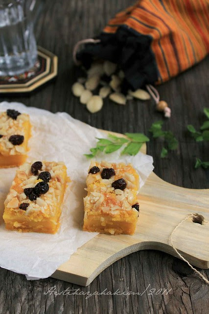 Pumpkin Bars with Kenari Nut & Raisins