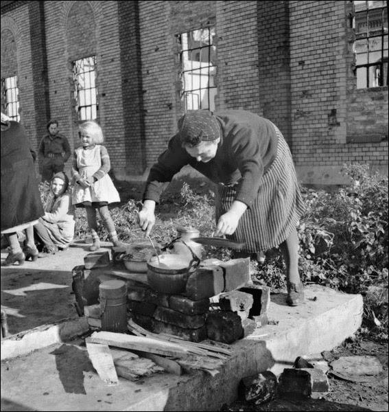 1945-berlin-brit-sector.jpg