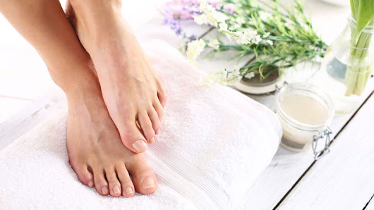 aromatherapy-blog - Aromatherapy tips for the perfect home pedicure
