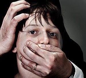abuso-e-perseguição-thumb4999835