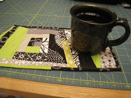 Wonky mug rug
