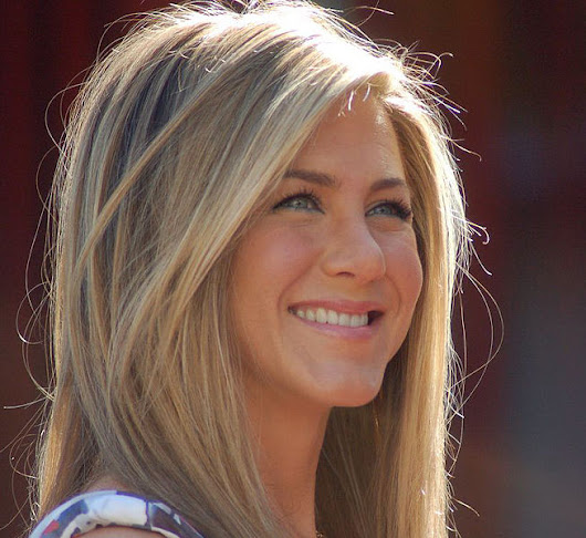 The Top 10 Celebrities Who Use Virgin Coconut Oil | The Healthy Home Economist