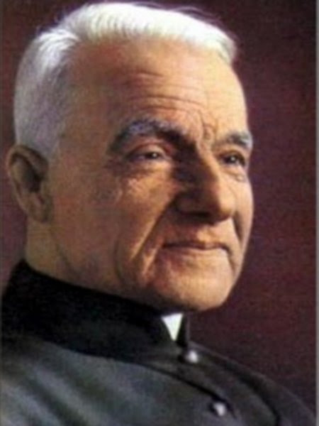 ST. ANDRE BESSETTE