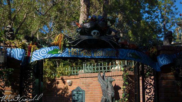Disneyland Resort, Disneyland, Haunted Mansion, Holiday, FastPass, Distribution