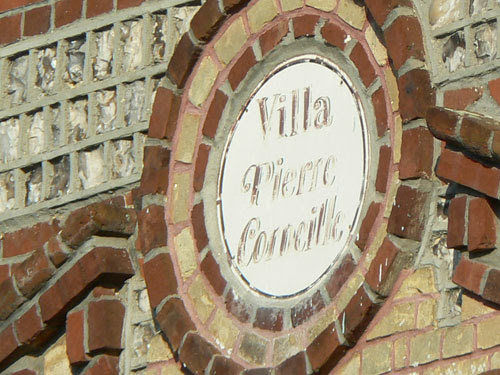 médaillon villa corneille.jpg