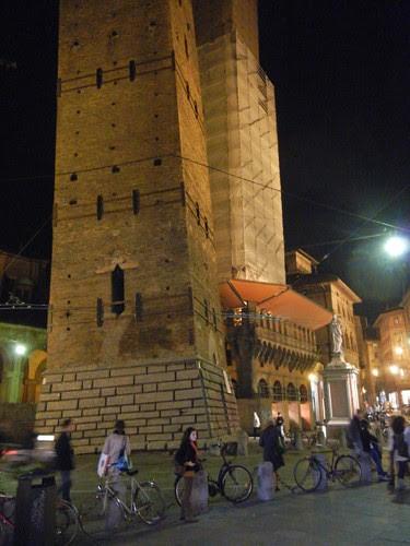 DSCN4353 _ Torre degli Asinelli, Bologna, 17 October