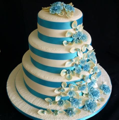 Turquoise and cream round wedding cake   Supercakes