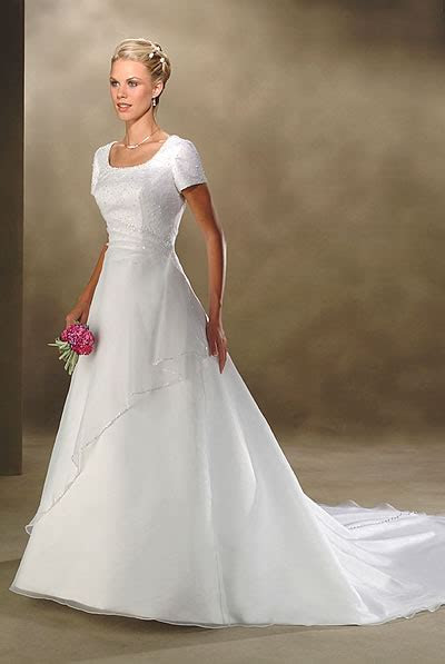 Halter Deep V neck Informal Wedding Dresses (KI0040