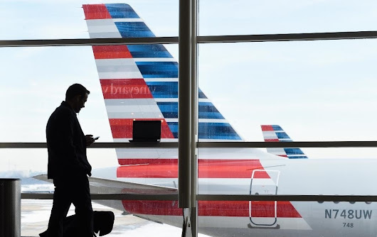 American Airlines worker removed from duty after confrontation with mom