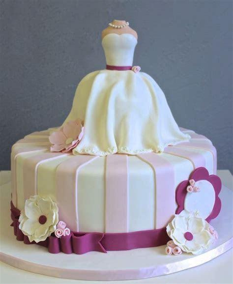 White Dress Flowers Bridal Shower Cake   Creative bridal