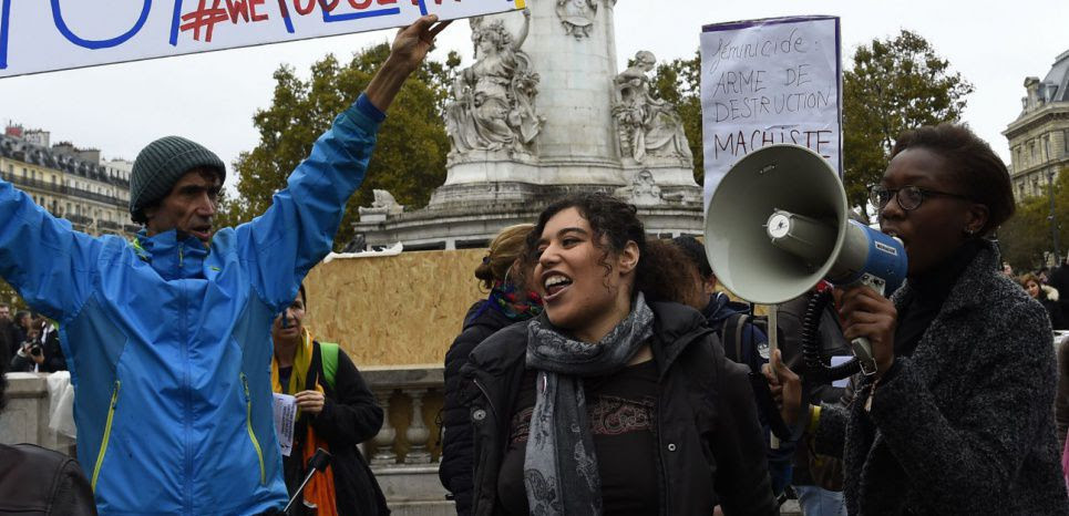 """""""Me Too"""" : des centaines de personnes dans la rue pour dire non au harcèlement"""