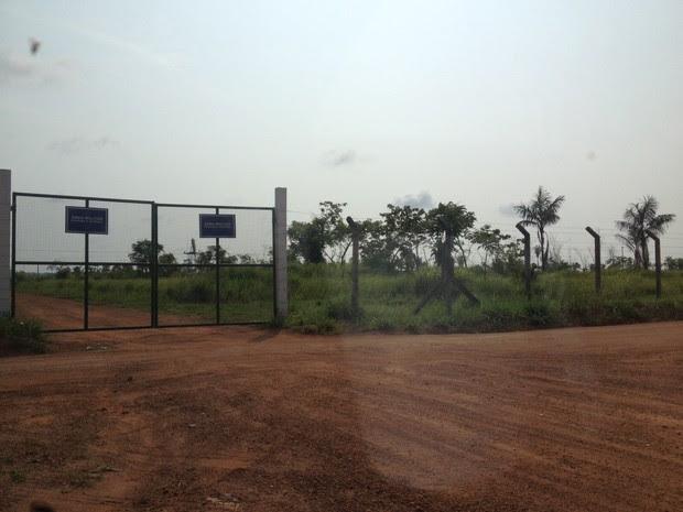 Arma de militar foi apreendida pela base de Guajará-Mirim (Foto: Júnior Freitas/ G1)