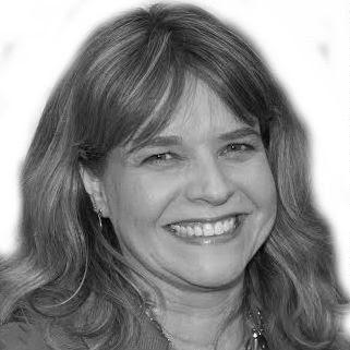 Kim Pisolkar Headshot