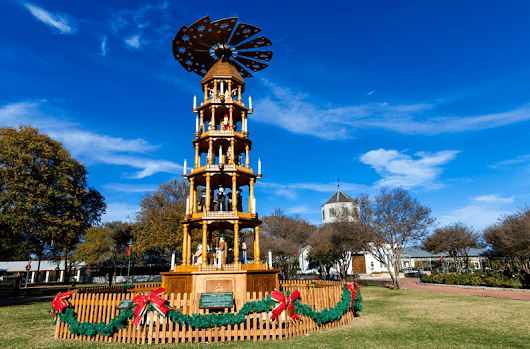 10 Unique Christmas Traditions from Around Texas