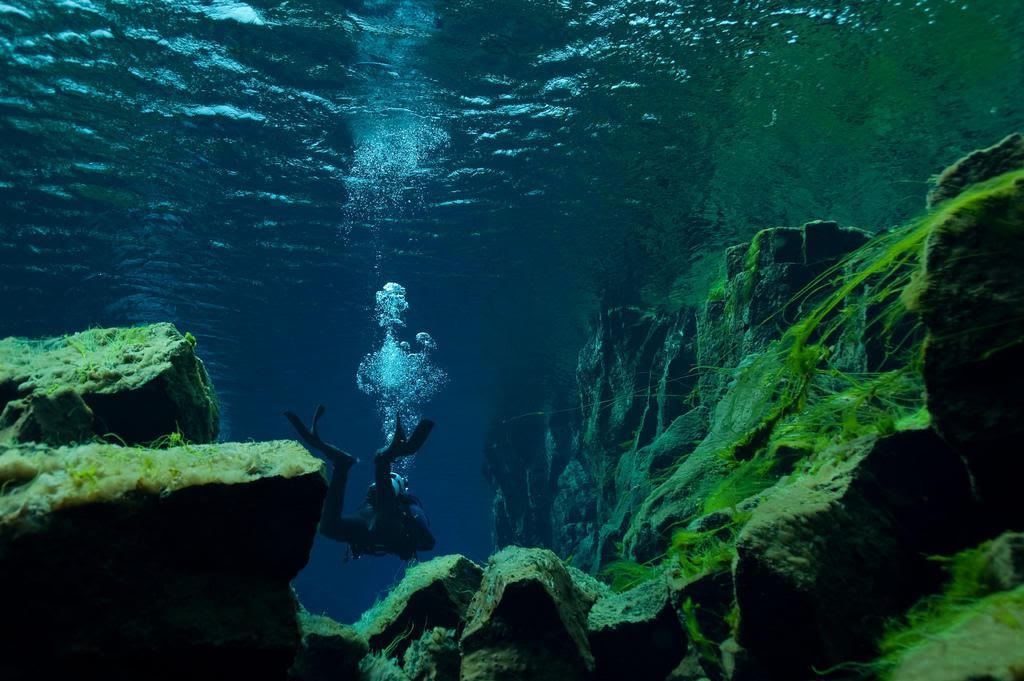 silfra05 Ісландський розлом Сілфра між двох частин світу
