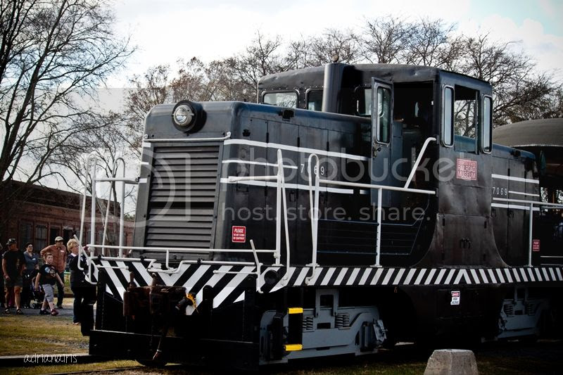 photo railroad_zps8eca5e60.jpg