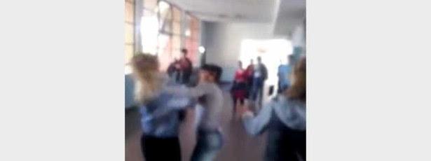 Alunas agridem-se violentamente em escola do Uruguai
