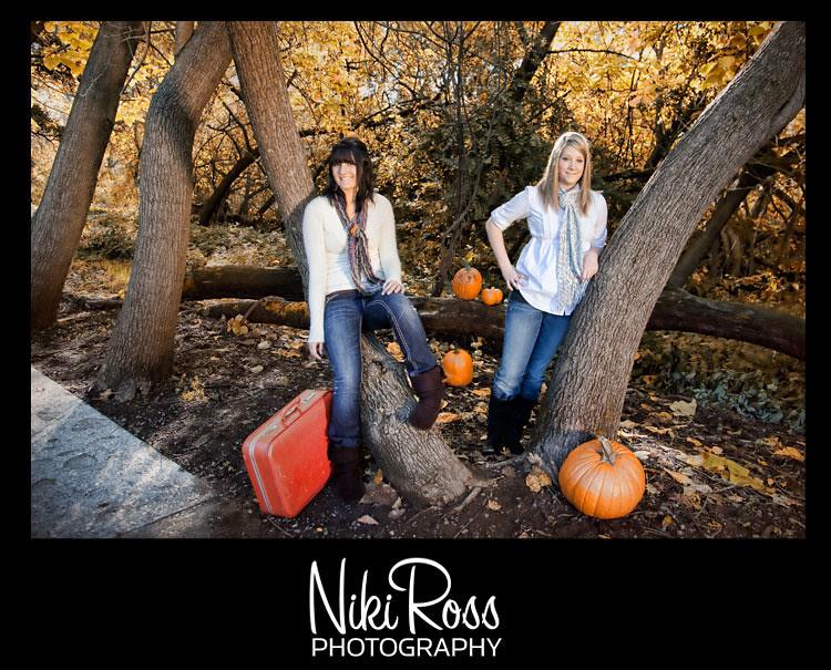 2girls-portrait-pumpkins2