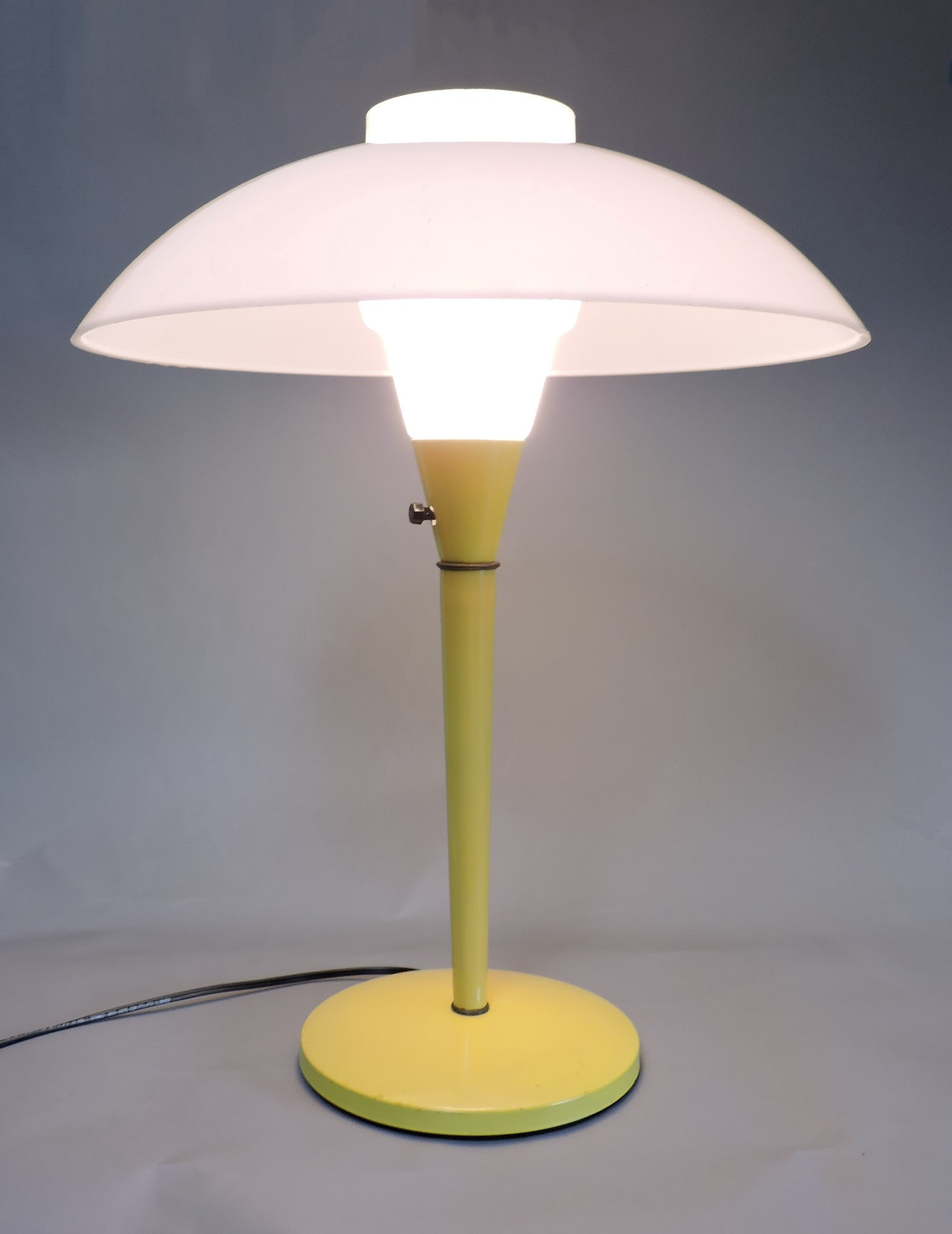 Mid century modern mod yellow mushroom dome table desk ...