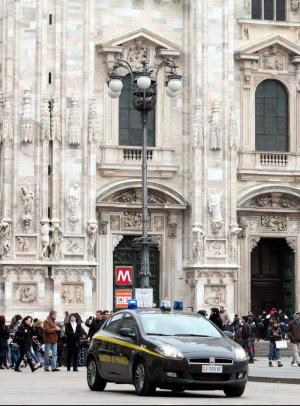 Milano, nuovi controlli nei negozi in centro boom di scontrini durante il blitz nella notte