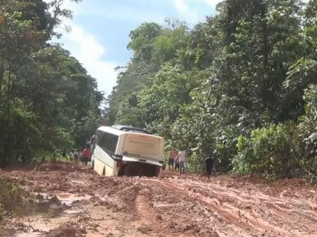 Dificuldades de acesso à cidade acarreta no aumento do preço dos alimentos (Foto: Reprodução/TV Amapá)