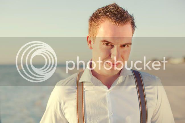 http://i892.photobucket.com/albums/ac125/lovemademedoit/ML_beachtrashthedress_003.jpg?t=1300698292
