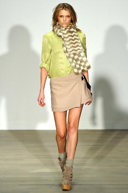http://richgirllowlife.blogspot.com/ matthew williamson fall 2011