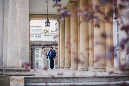 cool wedded bliss for jo and chris and their autumnal buxted park wedding