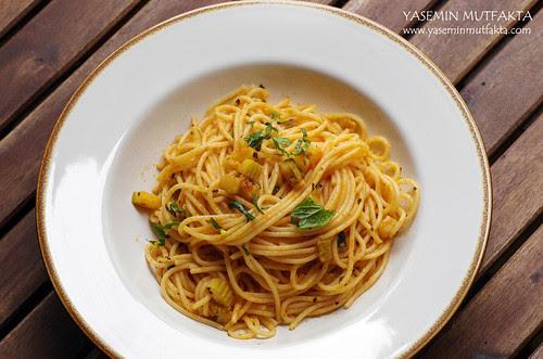 Domatesli Kabaklı Spagetti