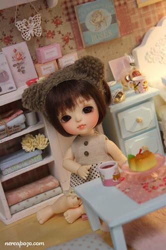 "DIORAMA ""CLEAR SKY BEDROOM""(around 16 cm size dolls)"