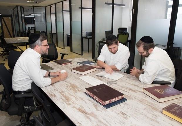 Tecnologia em Israel começa utilizar mão de obra de ultraortodoxos e beduínos