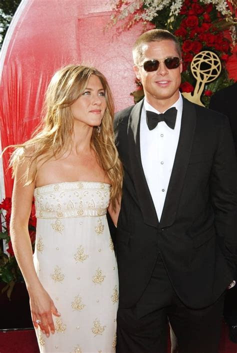 Jennifer aniston wedding dress brad pitt   Beaded Wedding