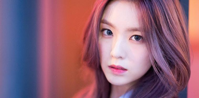 Red Velvet Irene Wallpaper