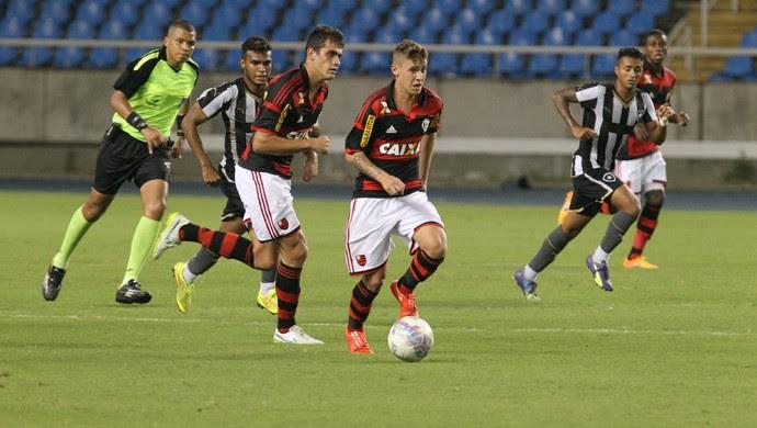 Matheus Sávio, flamengo x botafogo (Foto: Gilvan de Souza / Flamengo)