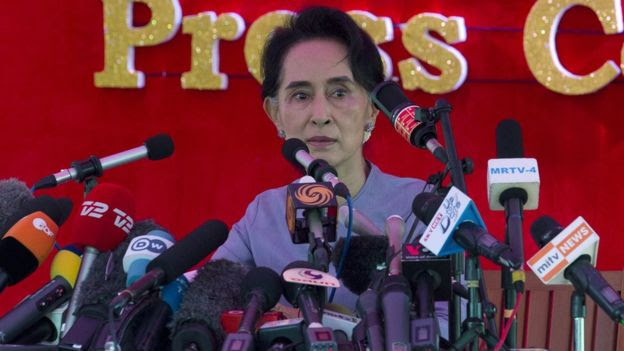 Aung San Suu Kyi speaks in Yangon, Myanmar (5 Nov 2015)