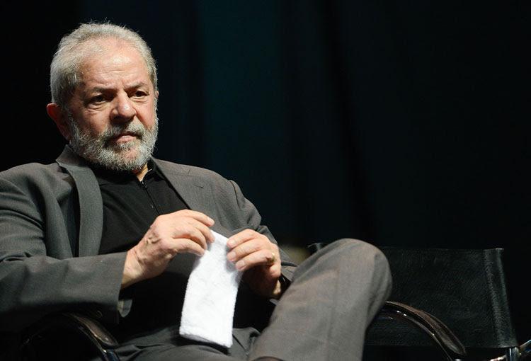 Resultado de imagem para Defesa de Lula pede suspensão de processo para analisar documentos