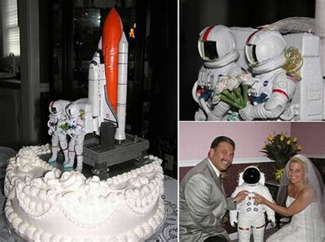 14 Weirdest Wedding Cakes ~ Damn Cool Pictures
