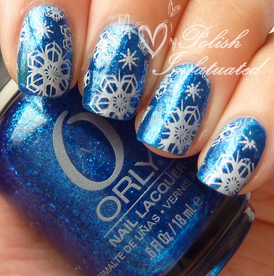 snowflake nails1