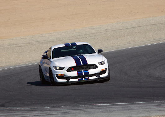 2016 Ford Mustang Shelby GT350R First Drive: Video