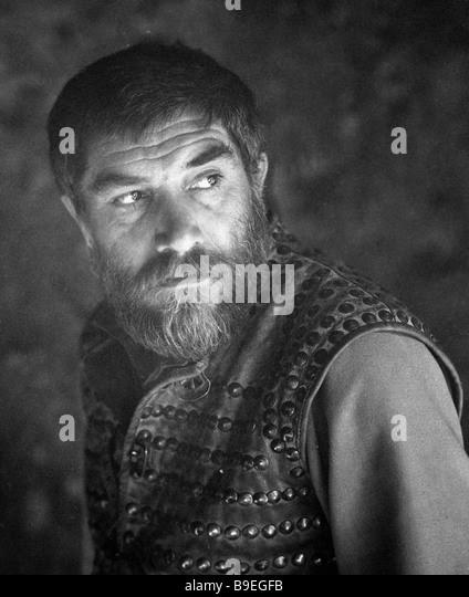 http://l7.alamy.com/zooms/e311c5dad88141a59cd2d1104d68d201/actgor-armen-dzhigarkhanyan-as-mkhitar-sparapet-at-shooting-the-film-b9egfb.jpg