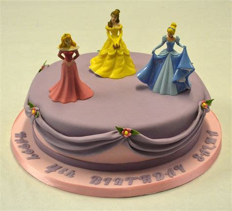 "10"" Round Disney Princess Cake   Children's Birthday Cakes"