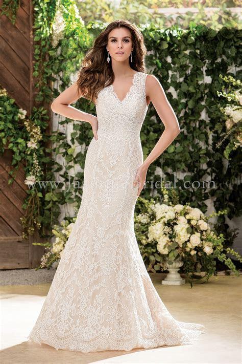 F181053 V neck Lace Fit & Flare Wedding Dress