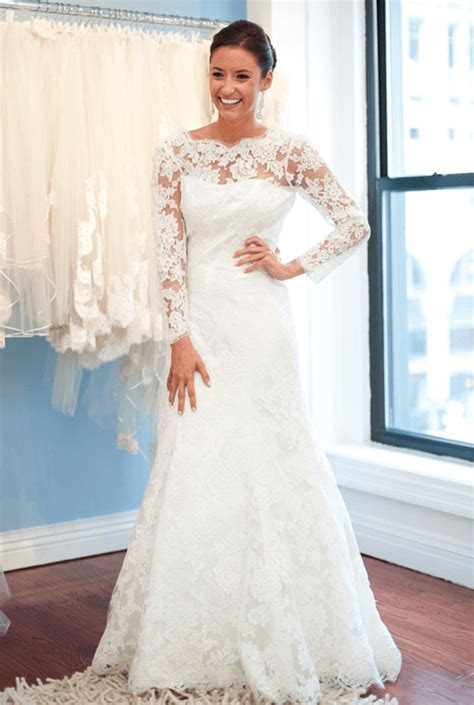 A Line Lace Sweep Train Bridal Gown with Chain Popular