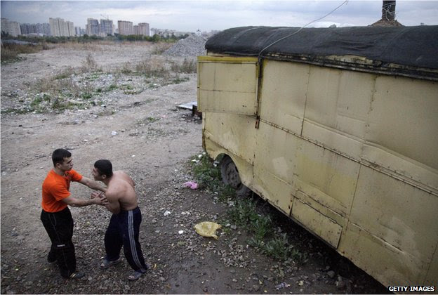 Tajik migrants in Moscow (file photo 2009)