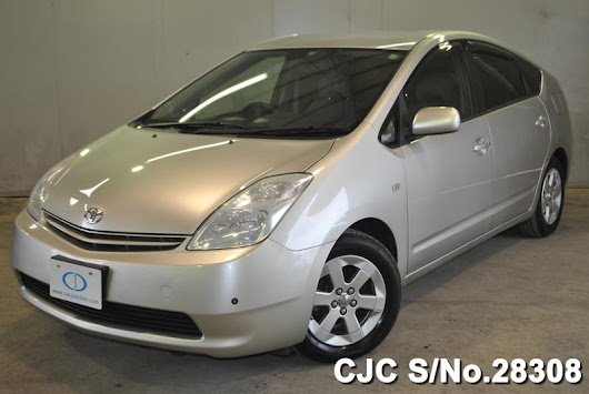 Used Toyota Prius 2003 in Silver Colour for Sale in Harare | Tokyo Motors