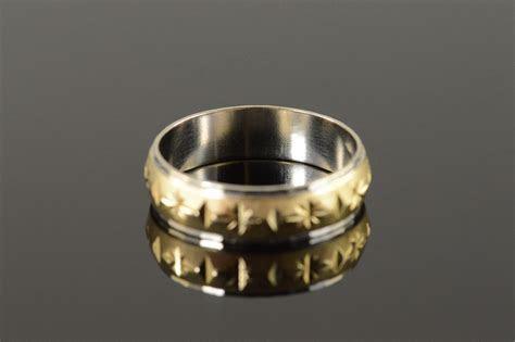14K 5.8g Engraved Diamond Star Two Tone Men's Wedding Band